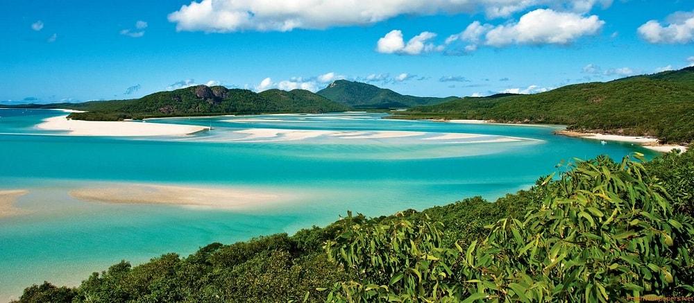 Whitehaven Beach, Whitsunday Island in Australia