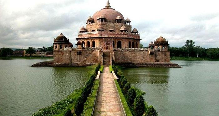 Tomb of Sher Shah Suri, Sasaram