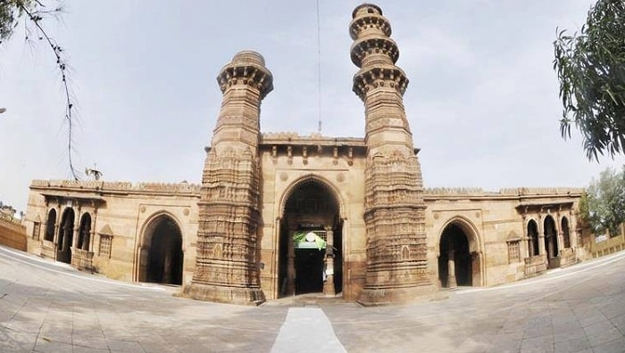 Jhulta Minara Sidi Bashir Mosque
