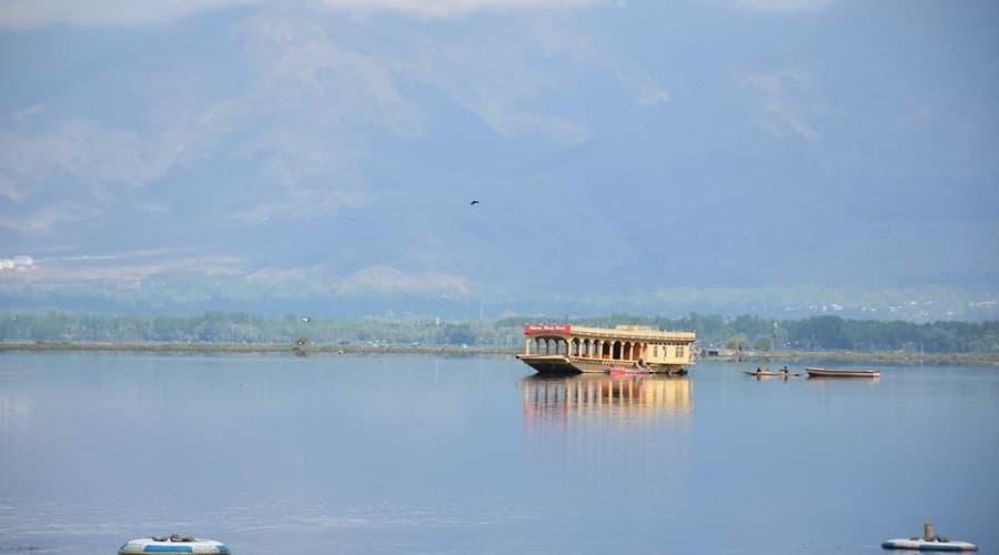 Dal Lake Boat Ride,Srinagar