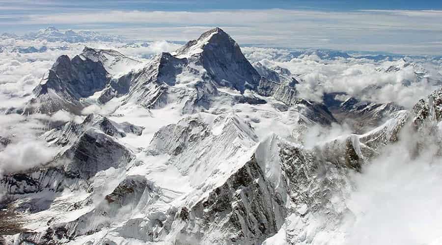 Magnificent Mount Makalu