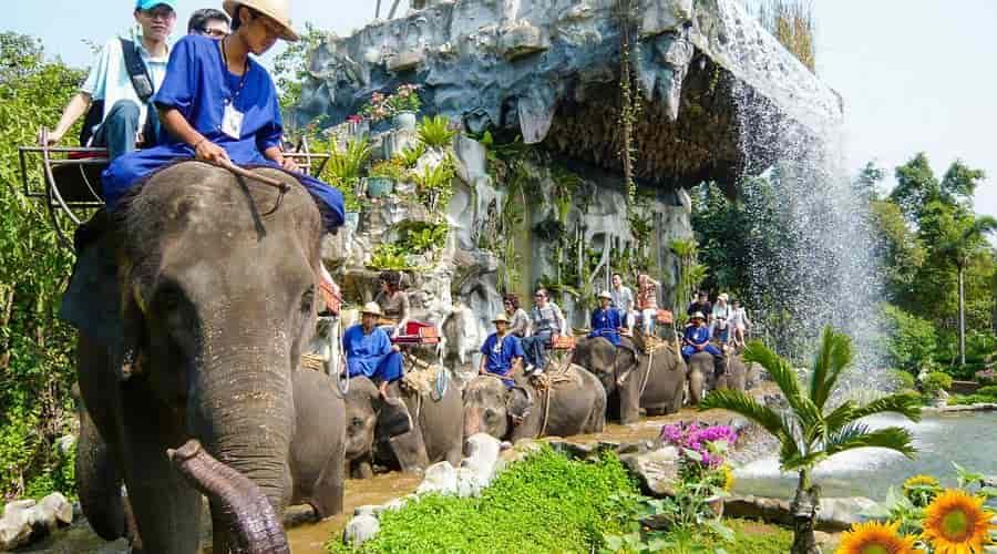 Samphran Elephant Ground Zoo